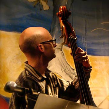Alex Bellegarde - Latin bassist